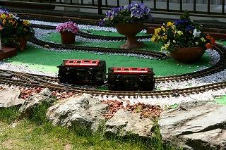 s-derailment03.jpg